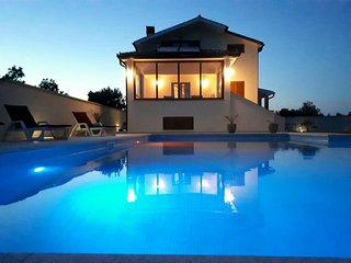 Villa 'BERGENA' with large swimming pool 58m2