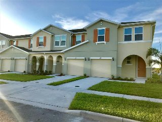 5117 Family Friendly 4 Bedroom close to Disney in Orlando Area