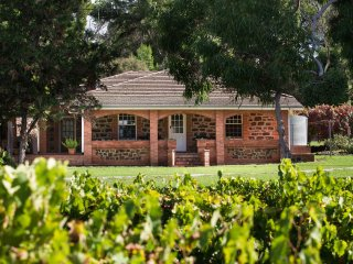 Hanisch Haus Vineyard Self Contained Bed and Breakfast Guest House