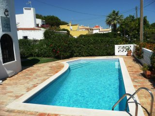 3 Bedroom Villa with Private Pool - near Hilton Hotel and Marina - AL