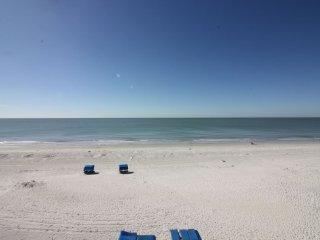 Holiday Villa II Beachfront  Premium Condo # 317
