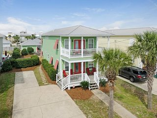 1/2 Block to Beach! All New Decor, Heated Pool, Separate Carriage House!