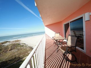 Beach Cottages I Beachfront Condo # 207
