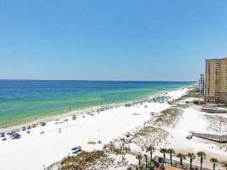 Beach Front - 180 Degree Views! Remodeled & New Decor! 3 King Masters - Sleeps 8