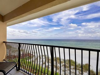 Beachfront! GREAT Views! Low-Density Resort! 2 King Masters ~ Sleeps 10 in Beds