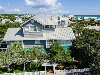 Across from Beach~Sleeps 22 in Beds! 4 K Mstrs + 3 Qu + 4 Fulls, Private Pool