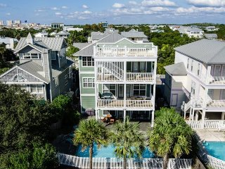Across from Beach! Ocean Views & Big Pool! 5 Masters, Beds for 20, Dogs OK