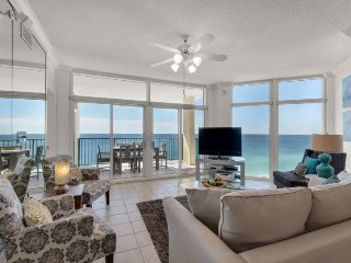 Beach Front - Awesome Views! All New Decor! 2 King Masters + 2 Queen Bedroom