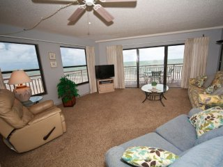 Chateaux Beachfront Premium Condo # 401