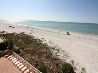 Chateaux Beachfront Condo #402, Indian Shores