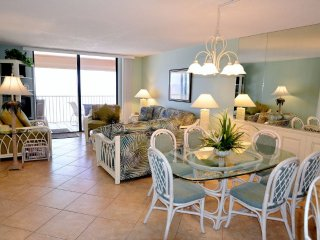Sand Castle II Beachfront Premium Condo # 704, Indian Shores