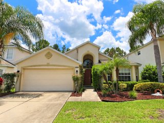 Lovely 4 bedroom 3 bath Highlands Reserve home from $178nt