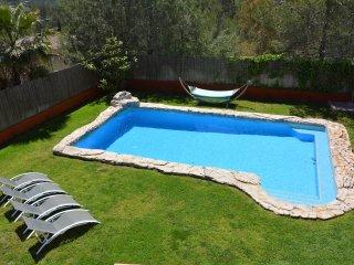 Villa Sitges El OLIVO. Piscine XXL a 27 degres chauffee opt. Plages a 8 minutes.