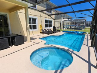 8Comfortable 6 bedroom 4 bath Highlands Reserve home from $208nt