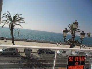 Piso céntrico con espectaculares vistas al mar, junto a la playa La Caleta, Cadiz