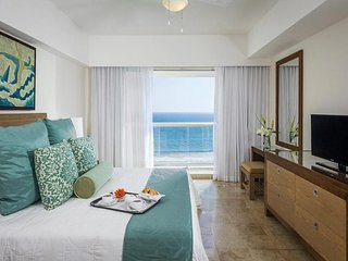 COMFORTABLE LIVING at MAYAN PALACE 1 BR at Acapulco Margan
