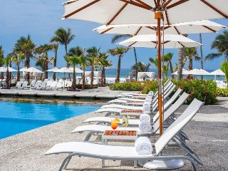 COMFORTABLE LIVING at MAYAN PALACE 2 BR at Acapulco MarGan