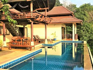 The Great Escape Villa, Kantiang Bay. Koh Lanta. Sea View with pool, sleeps 8