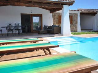 Villa Stige, PRIVATE HEATED POOL , 500 meters from the Beach