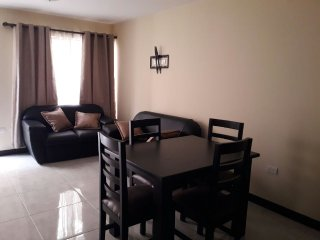 Beautiful and clean apartment, 2 bed, 1.5 bath, Tibas