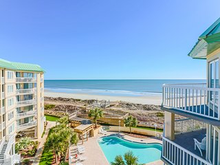 Oceanfront 5th floor condo, gated community, panoramic views, private amenities