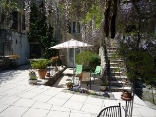 La Cave  2-bed apartment with private terrace, Ceret