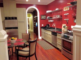 Funky Renovated Double On One Of Mid-Citys Best Blocks Permitted vacation rental