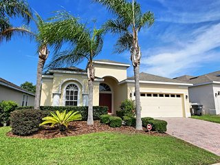 Lovely 4 bedroom 3 bath Highlands Reserve home, 7 mile from Disney, from $178nt