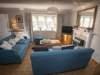 Trearddur Bay: Church View - by the beach, pet free, family friendly