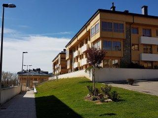 Estupendo apartamento, muy comodo y moderno con gran terraza(Piscina-padel)
