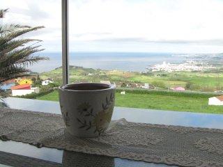 New advert-Villa Flor do Monte -close to the walking trails, Ponta Delgada