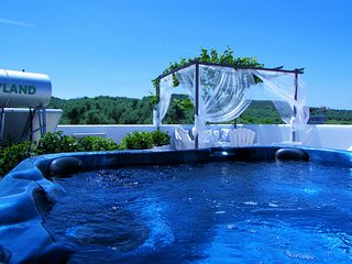 Villa Panorama private pool & outdoor jacuzzi and breathtaking sea view,3bedroom