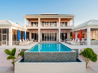 FALL SPECIAL - Elegant 7BR Estate - Kaia Kamina by Luxury Cayman Villas