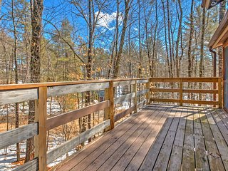 NEW! Tranquil 4BR Ossipee Lake Home w/Wooded Views