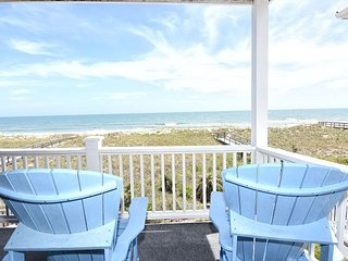 Reefs V D2 -  Oceanfront condo, open floor plan, community pool & beach access