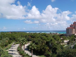 FREE golf, fishing & activities! Great pool, close to beach, private resort