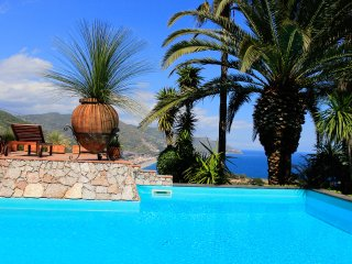 TAORMINA PANORAMIC APARTMENT with Sea View Terrace + Pool