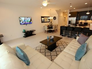 Modern 3BR 3Bath resort townhouse with private splash pool from $128/night