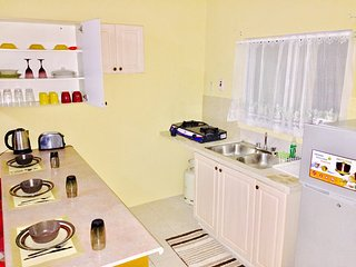 Spring Palm Estate Beautiful Two Bedroom Apartment Ocho Rios