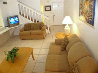 Spacious 3 Bedroom 2 Bath Townhome Close to Disney. 3158TC, Kissimmee