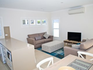 Hawkesnest Luxury Villa 3 at the Heart of Huskisson