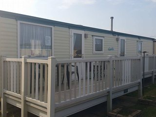Golden Palm Chapel St Leonards 8 berth 3 bedroom caravan tp63