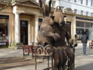 Perfect for festivals, races and Cotswolds access in the centre of Cheltenham