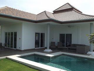 New 3 bed pool villa for rent, Hua Hin