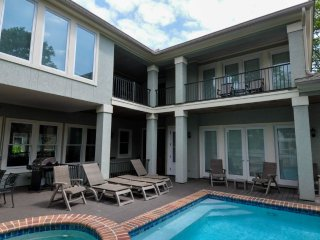 3rd Row Home with Private Pool and Spa Steps to the Beach