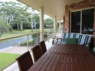 Holiday Rental Port Stephens - Hawks Nest (House on the River Myall)