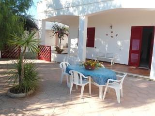 Villa con 3 camere e giardino a Marina di Mancaversa Gallipoli