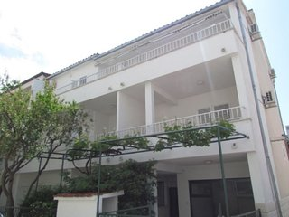 Studio Apt ANA with park view, balcony, 100m beach
