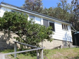 TRADEWINDS   -   40 Kinka Rd Seal Rocks