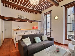 Full of Character in the heart of old town, close to the beach and restaurants